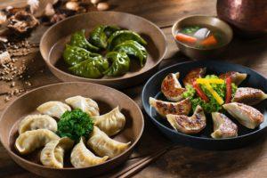 ネパールの食事のマナーと左手