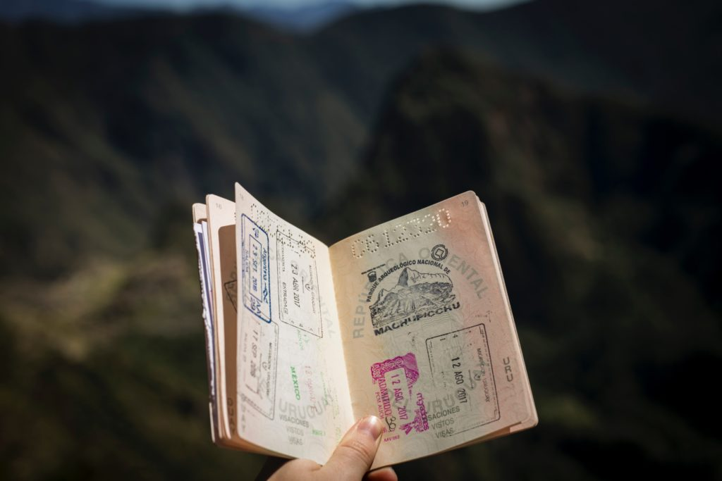 ネパール観光にビザ不要?現地取得も可能か?申請方法を解説!